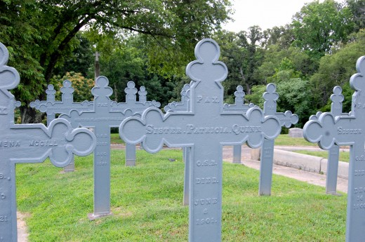 Holy Cross Cemetery (Richmond, Virginia)-30