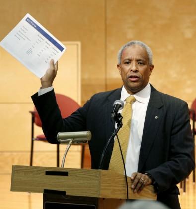 Economic Advisor Hicks showing off his Powerpoint. Photo by Mark Gormus/RTD